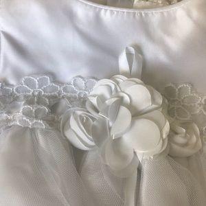 Sweet Heart Rose Dresses - NWT white infants dress